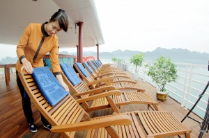 halong-bay-cruise-sealife-cruise-sundeck